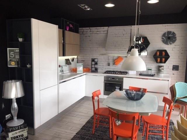 Sconti fino al 70% per le cucine Aran in pronta consegna di Mobili Rossetti